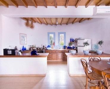 Rental Anerrouses kitchen photo