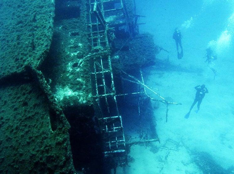 Diving-in-Mykonos-Mykonos-Estates-Mykonos-RealEstate