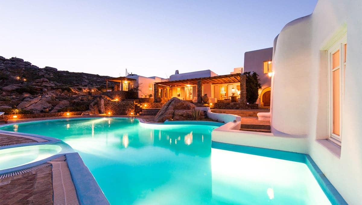 Mykonos-Estates-Mykonos-Real-Estate-Mykonos-villas-Rent-a-Aqua-di-mare-in-Mykonos-Villa-Island-of-Bliss-2-min