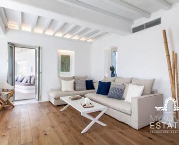 Tiberia Luxury Villa interior photo of living area